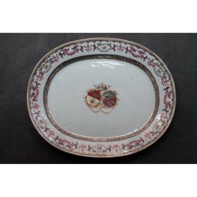 Plat En Porcelaine De Chine à Décor d'Armoiries, 18e Siècle