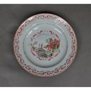 Assiette En Porcelaine De Chine, Décor dans le style de Meissen Du 18e Siècle