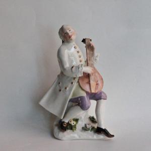 Statuette En Porcelaine De Meissen Représentant Un Joueur De Luth De