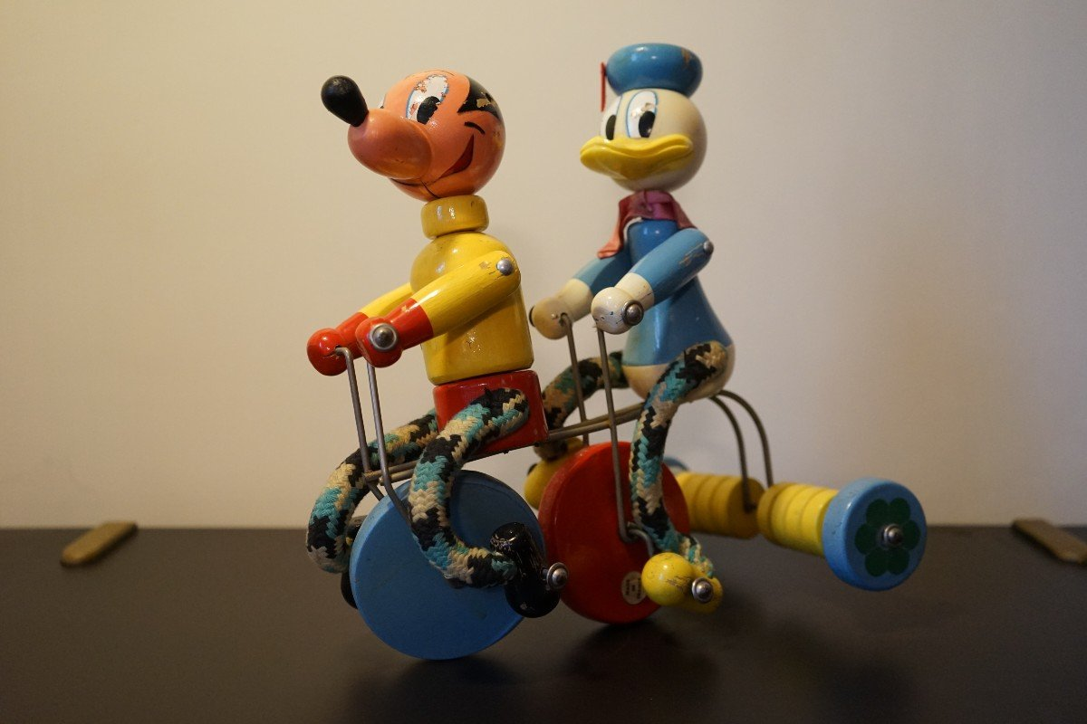 Donald Et Mickey En Tricycle