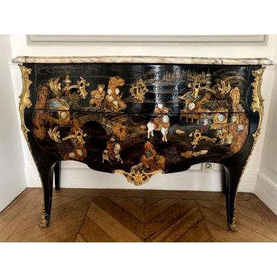 Louis XV Style Lacquer Commode