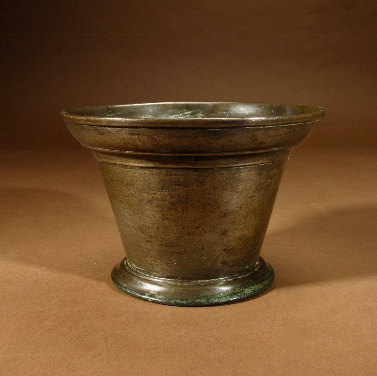 Un Beau Mortier En Bronze Uni, Continental, XVIIe / XVIIIe Siècle
