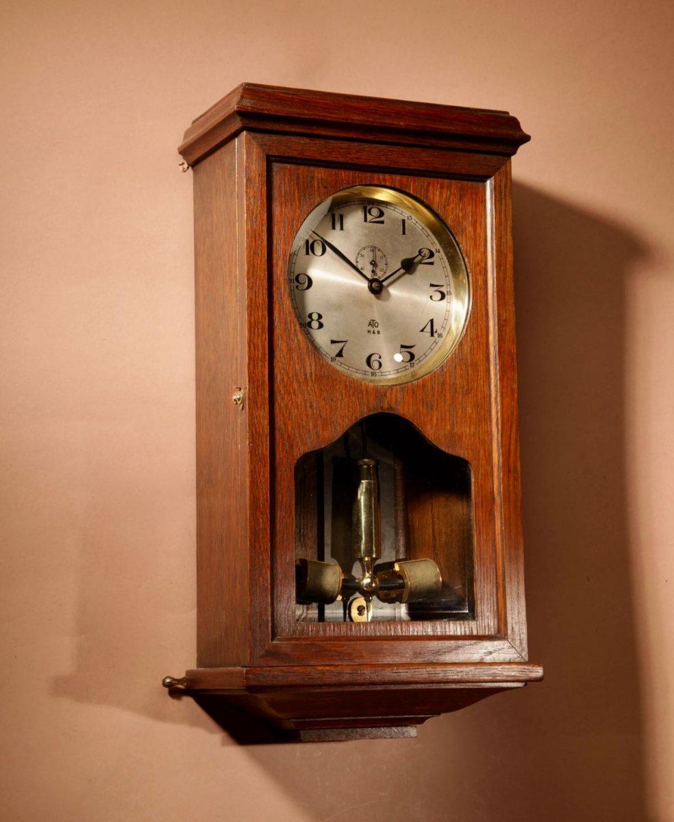 Une Horloge Murale électrique Ancienne En Ato, Haller & Benzing, Circa 1925