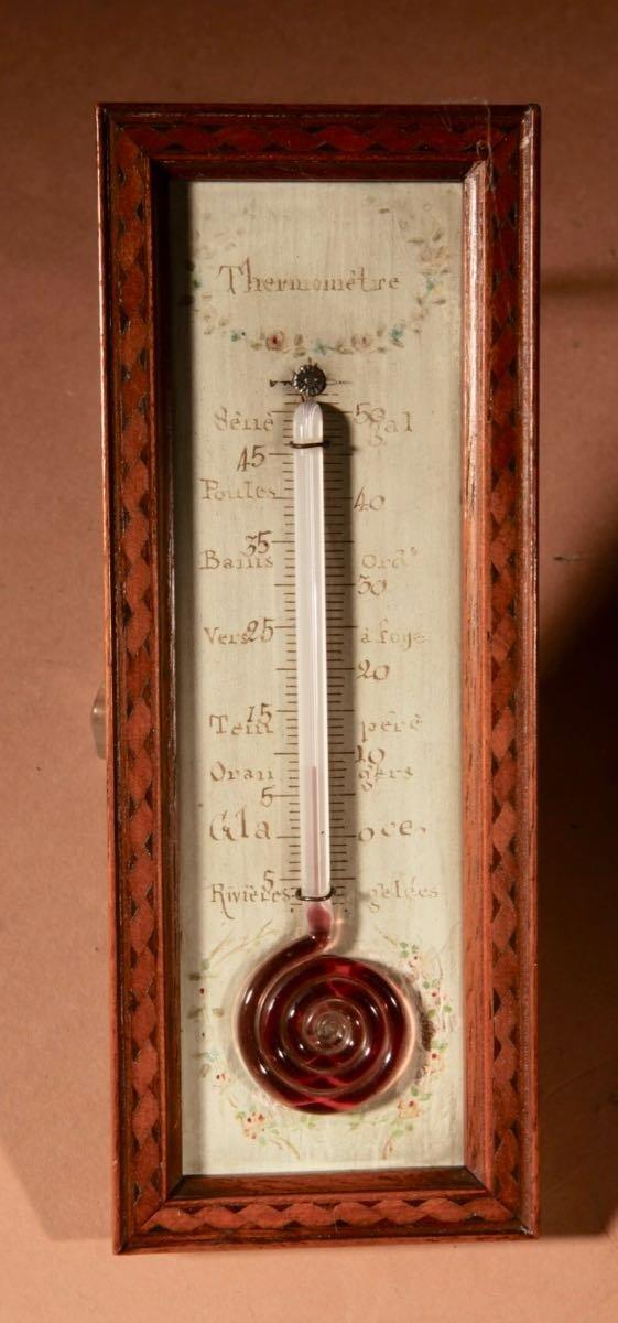 Un Petit Thermomètre Français Très Décoratif Et Agréable Vers 1850.