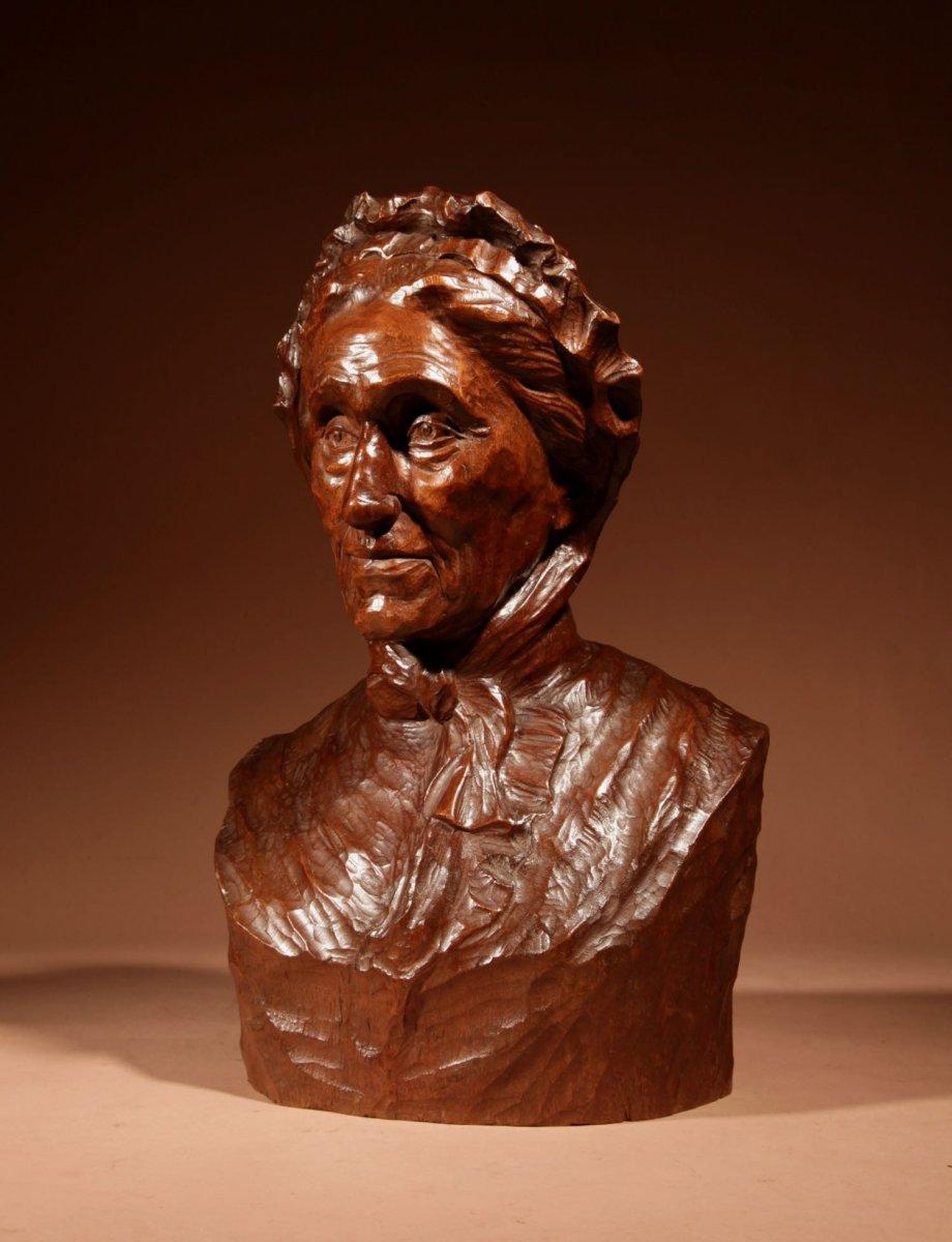 Un Beau Buste Expressif Sculpté an Bois  d'Une Femme, Signé B.tuerlinckx = Boudewijn Tuerlinckx (mechele-photo-1