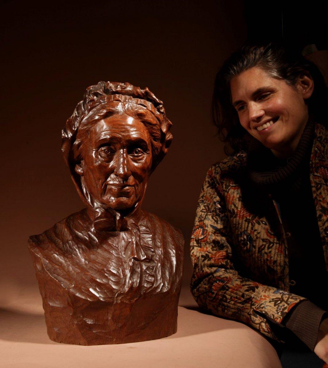 Un Beau Buste Expressif Sculpté an Bois  d'Une Femme, Signé B.tuerlinckx = Boudewijn Tuerlinckx (mechele-photo-8