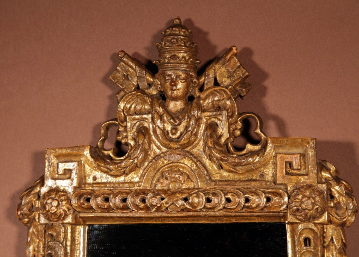Un Miroir Très Intéressant Avec Les Armoiries Papales Du Dernier Quart Du 18e Siècle.-photo-3