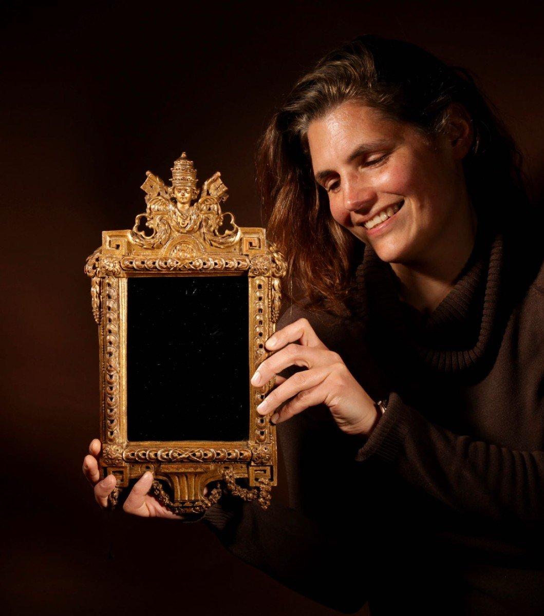 Un Miroir Très Intéressant Avec Les Armoiries Papales Du Dernier Quart Du 18e Siècle.-photo-6