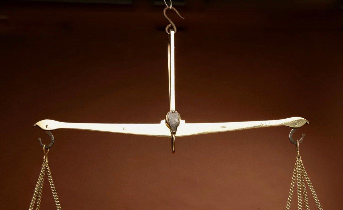Une Balance De Poutre d'équilibre Suspendue En Laiton Frison-photo-3