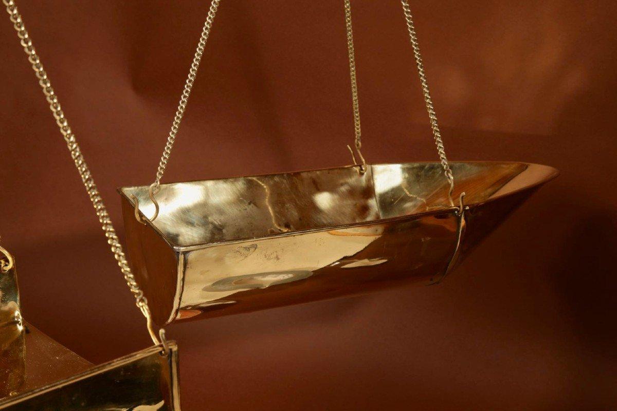 Une Balance De Poutre d'équilibre Suspendue En Laiton Frison-photo-4