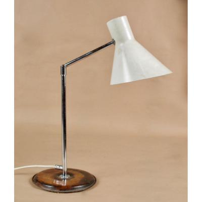 Une Lampe De Table Suédoise d'Un Design d'Anders Pehrson, Fabriquée Par Ateljé Lyktan