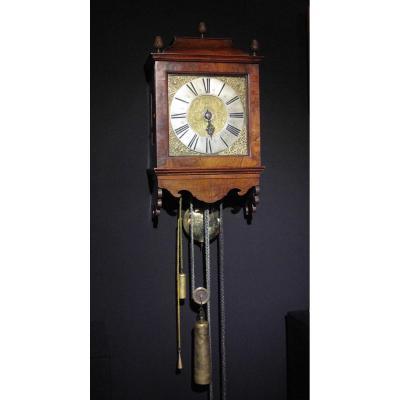 Une Très Rare Horloge Originale à Capuche En Noyer D'amsterdam, Vers: 1725