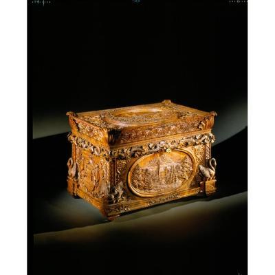 Un Magnifique Et Historique Très Important coffre De Mariage Royal