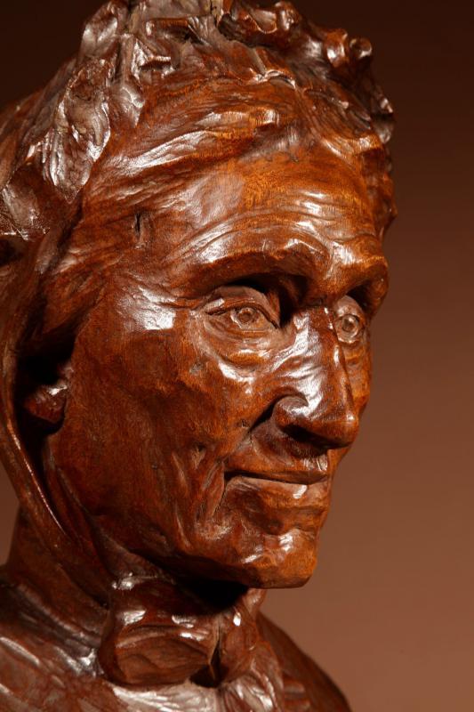 Un Beau Buste Expressif Sculpté an Bois  d'Une Femme, Signé B.tuerlinckx = Boudewijn Tuerlinckx (mechele-photo-2