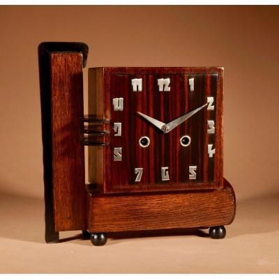 Une Horloge De Cheminée Art Déco Hollandaise Très Rare En Chêne Et Coromandel.