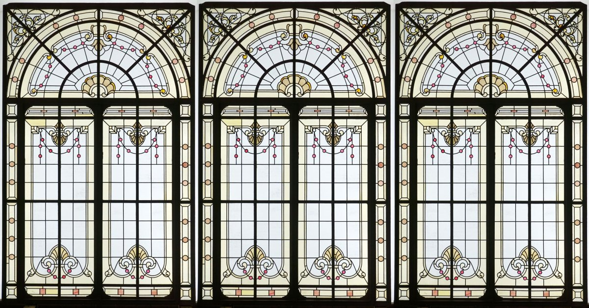 Stained Glass-haussmannien Style