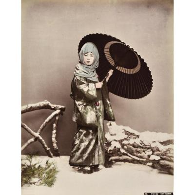 Kusakabe Kimbei (1841-1934)  Snow Costume   Japon, Vers 1880  Tirage Albuminé