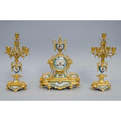 Garniture En Bronze Doré Et Porcelaine De Sèvres, Horloge Et Chandeliers, Napoléon III, France