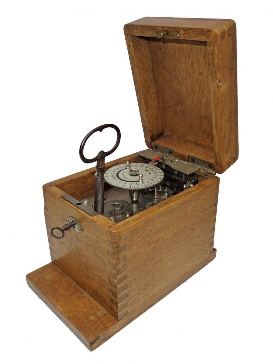 Instrument Horloger Ancien - Enclencheur électrique - Système Fr Sauter