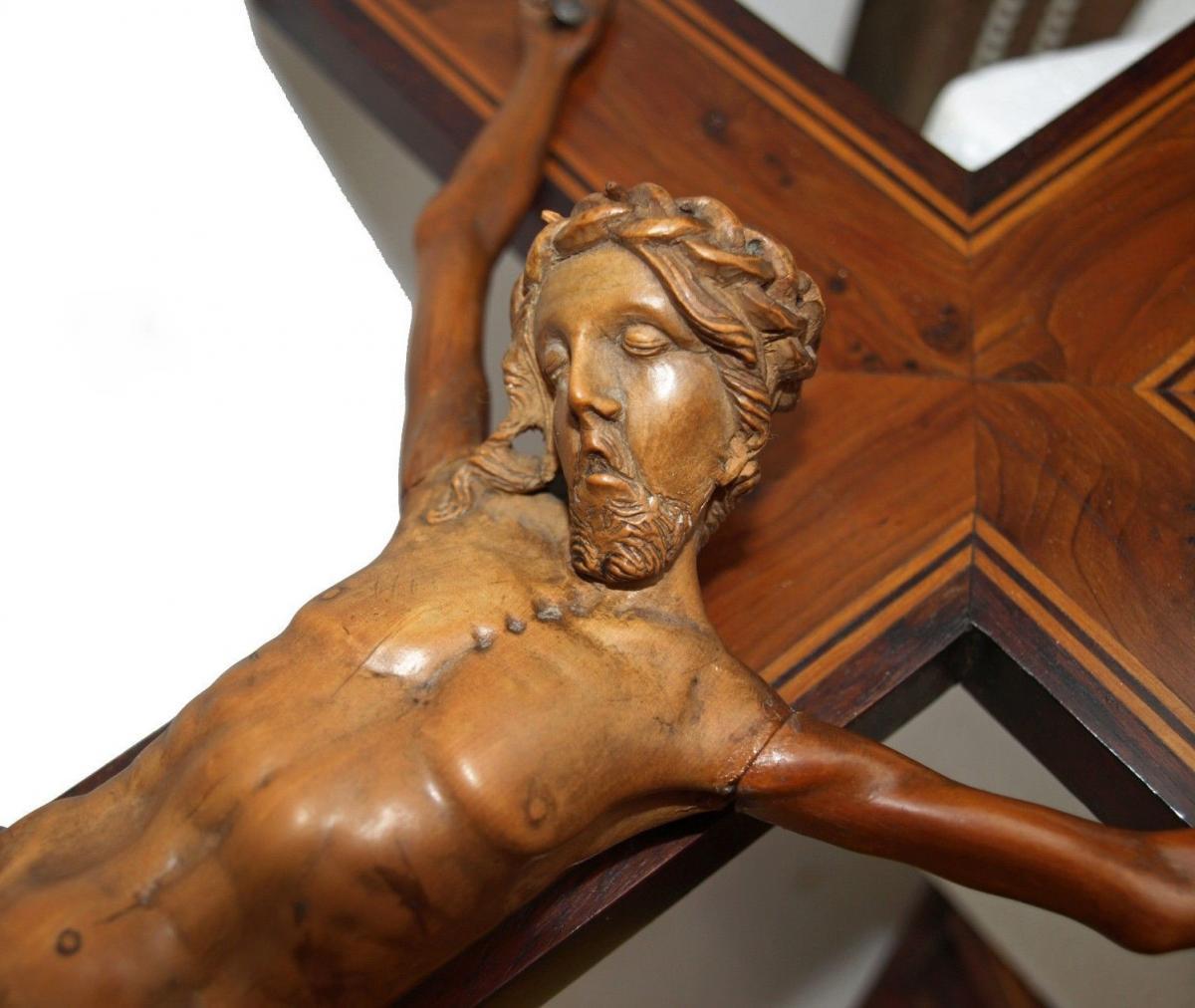 Grand Christ En Buis Sculpté 19ème Siècle - Croix En Loupe