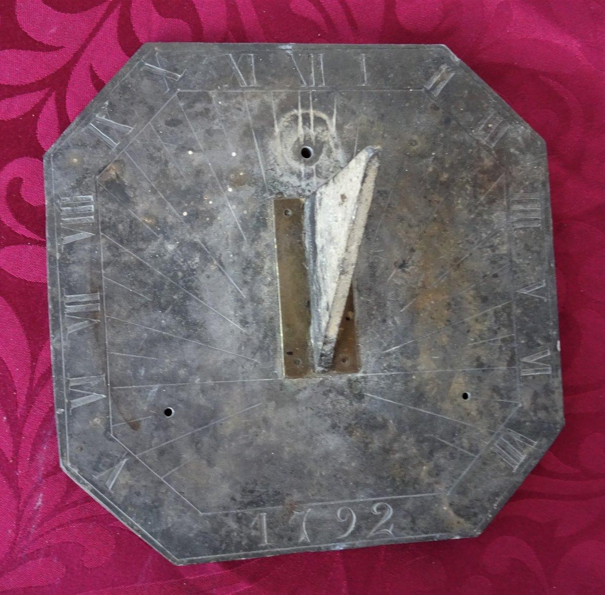 Petit Cadran Solaire Daté 1792