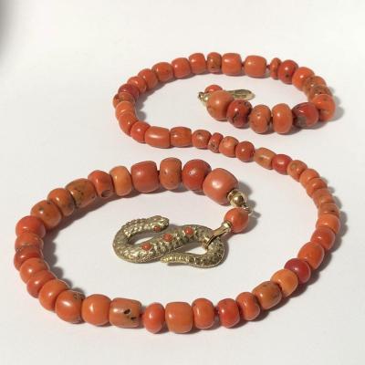Collier En Corail 19eme Et Son Fermoir Serpent En Métal Doré