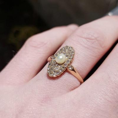 Bague Romantique Or 18k Pavage De Diamants Taille Rose Et Perle Fine XIXe.