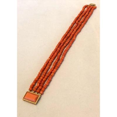 Bracelet En Perles De Corail Facettées Fermoir Or 18k  et corail 1er Empire