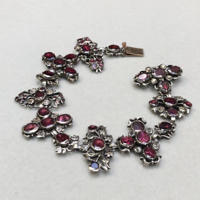 Bracelet En Argent, Grenats Et Cristal De Roche Composé De 4 Croix Avec Pendants Du XVIIIème