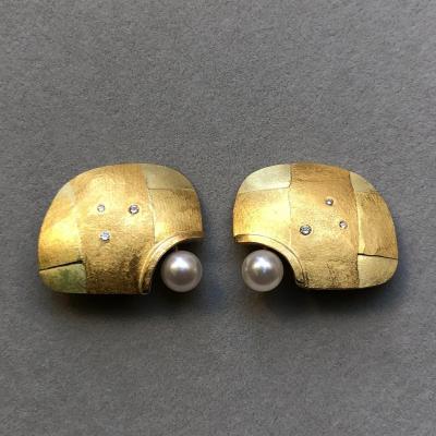 Boucles D'oreilles à Clip De Betsy Fuller En Or  , 3 Diamants Taille Brillants Et Une Perle
