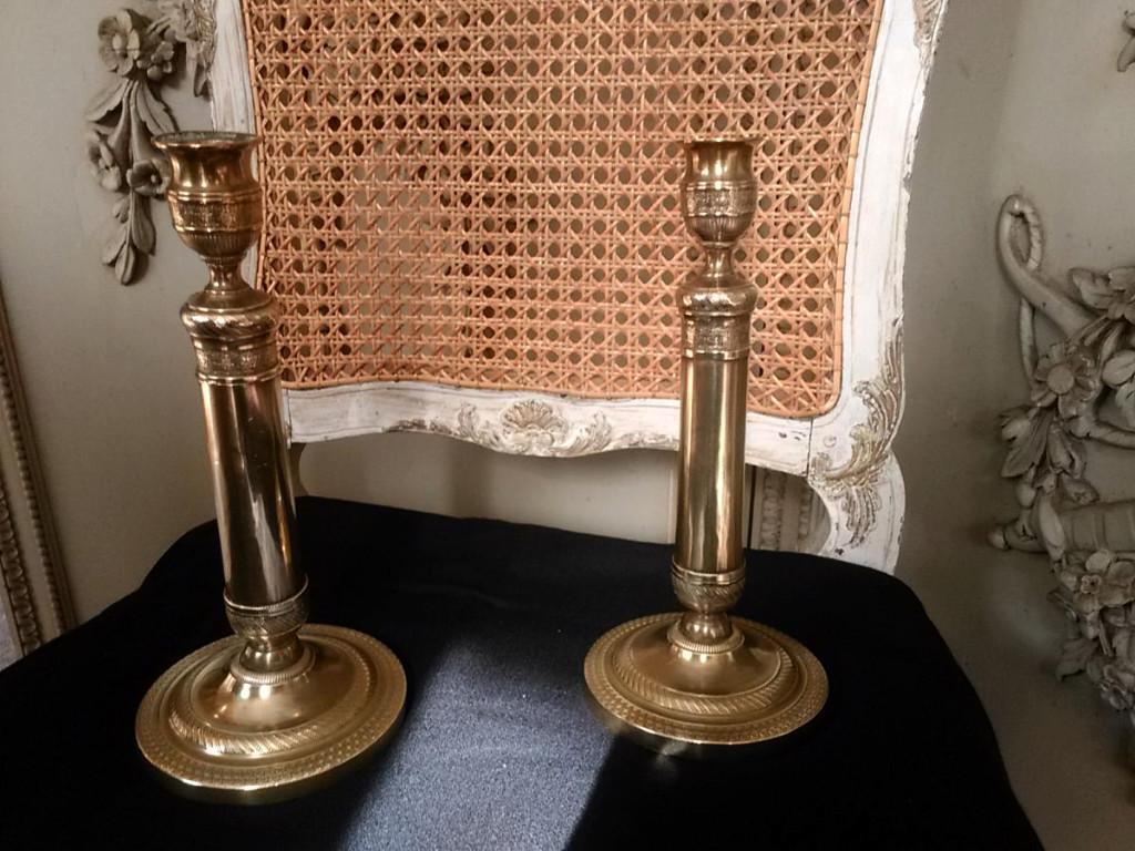 Paire De Bougeoirs – Restauration
