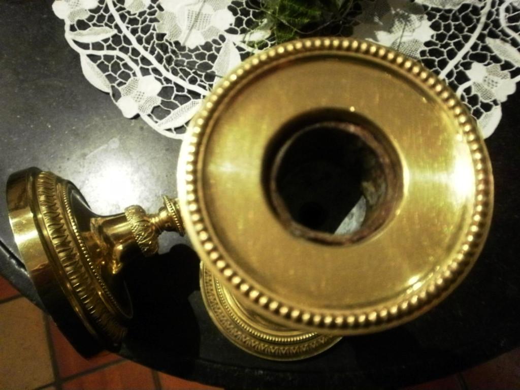 Paire De Bougeoirs En Bronze Dore – Style Louis XVI-photo-4