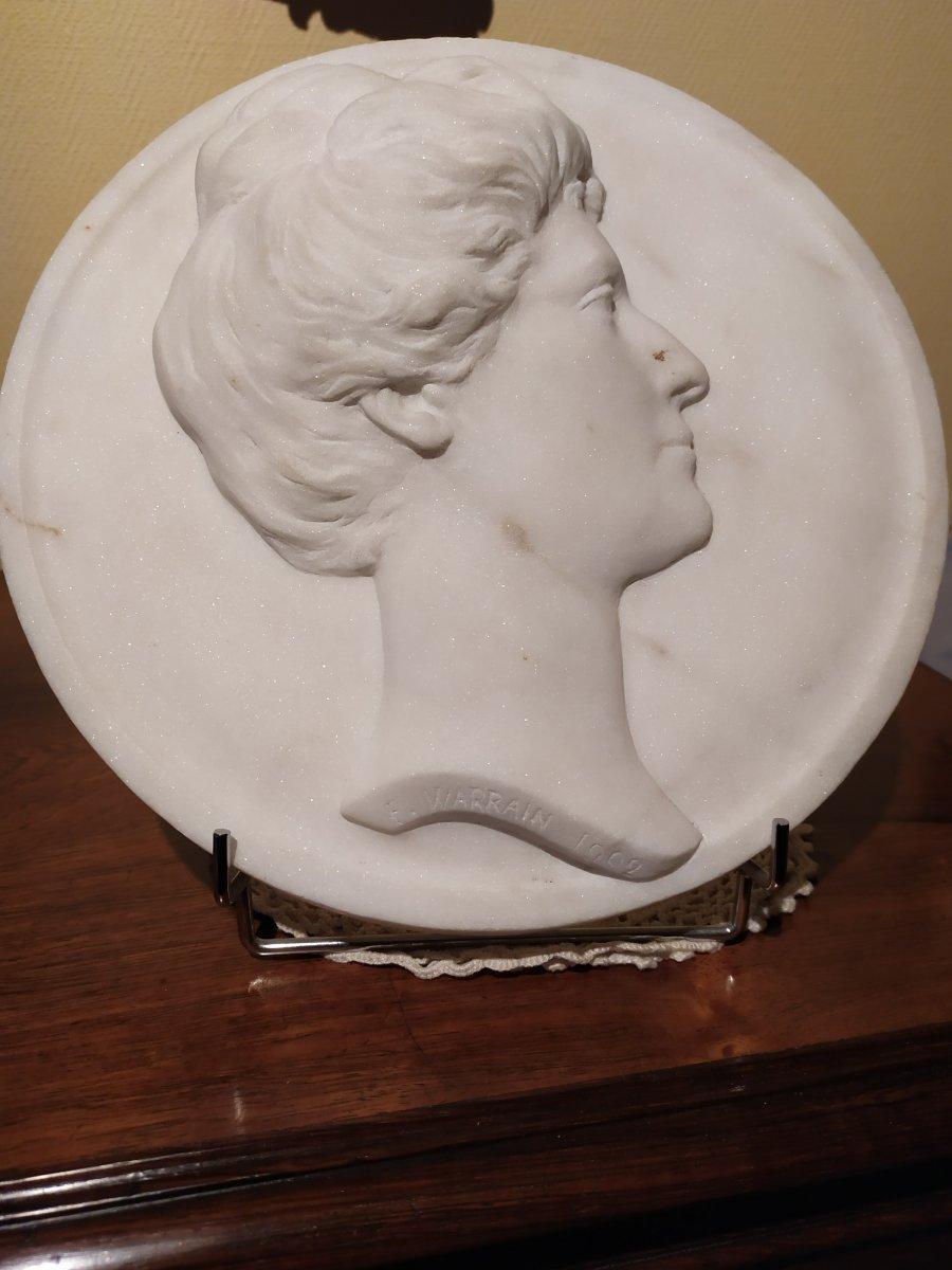 Sculpture En Marbre - F. Warrain - XXème Siècle