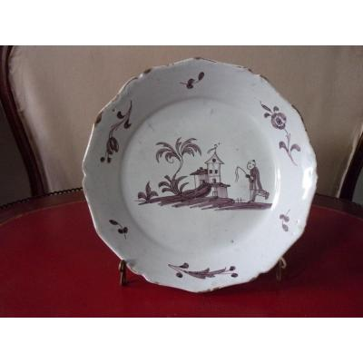18th Century Nevers Plate