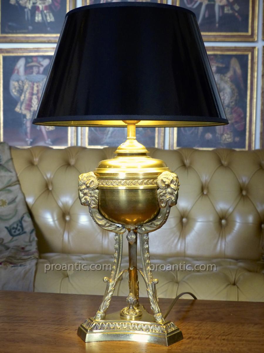 Grande Lampe Athénienne à Têtes De Béliers, XIXe