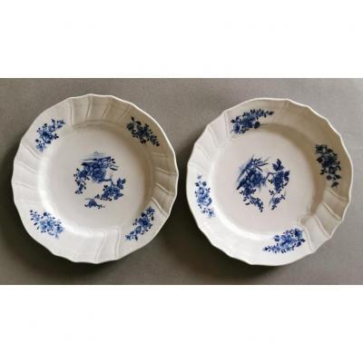 Paire d'Assiettes En Porcelaine De Tournai, XVIIIe Siècle