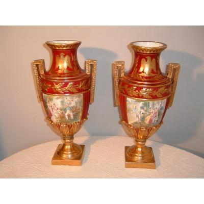 Paire De Vases Empire En Porcelaine De Paris