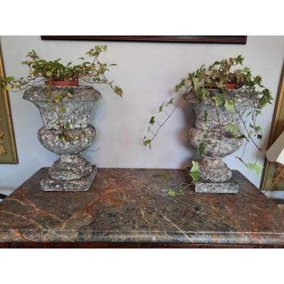 Paire De Vases Médicis En Pierre époque XVIIIème Siècle