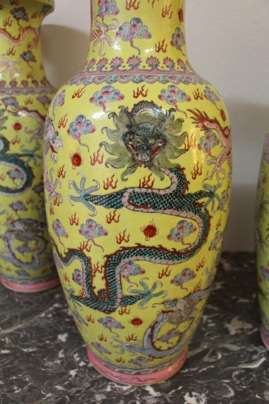 Suite Of Four Large Porcelain Vases, China Early Twentieth-photo-2