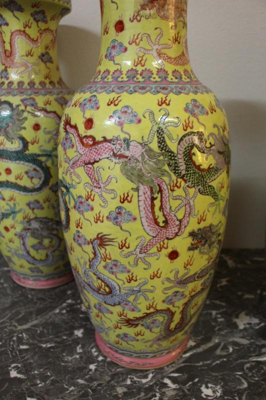Suite Of Four Large Porcelain Vases, China Early Twentieth-photo-3