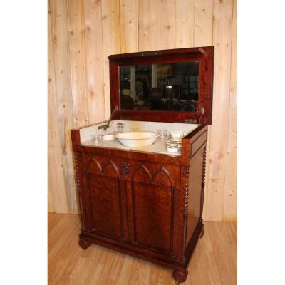 Meuble De Toilette En Acajou Moucheté Style Troubadour XIXeme