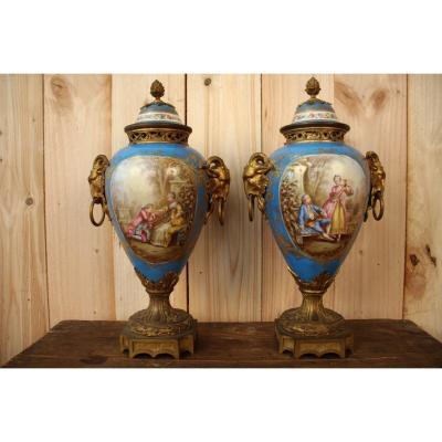 Paire De Vases En Porcelaine De Sèvres Et Bronze Doré XIXeme