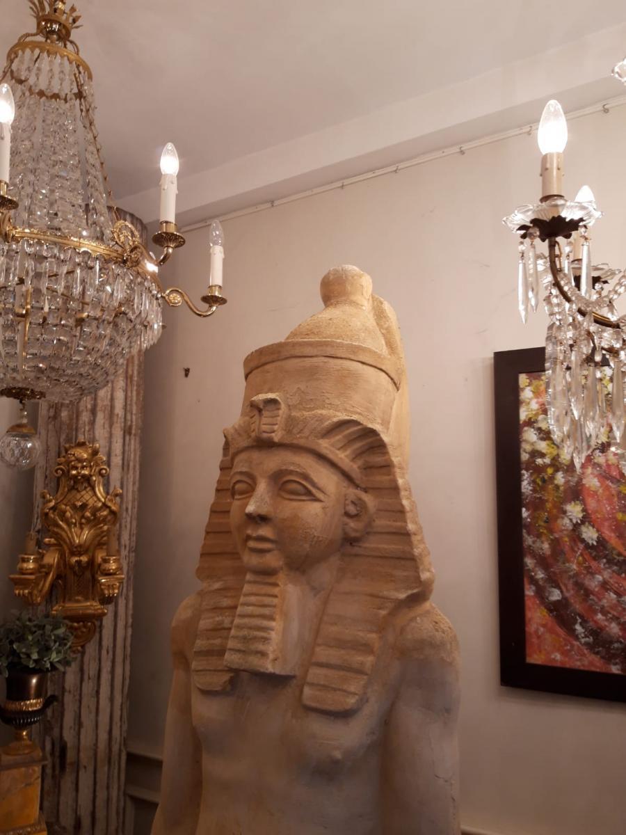 Paire De Sculptures Egyptiennes en plâtre. Début XXème Siècle
