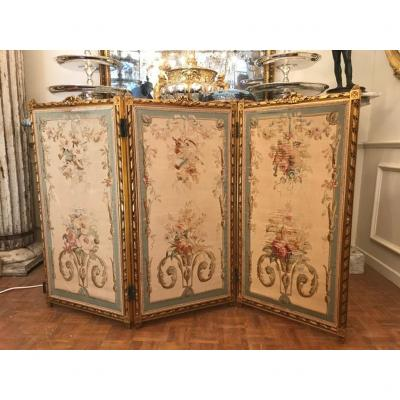 Screen Napoleon III Entourage Golden Carved Wood, Garnished With Aubusson Tapestry. XIXth