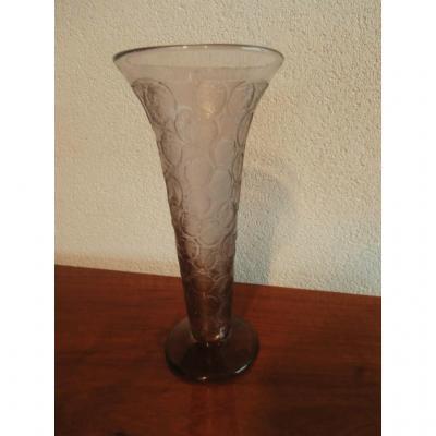 Vase En Verre Gravé