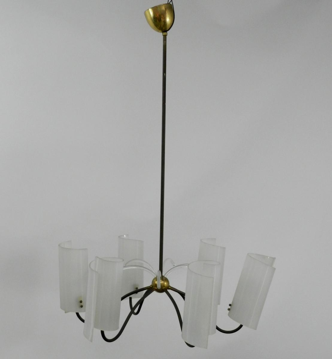 Lustre 1970, A Structure En Laiton Et Metal Laque, Caches Ampoules En Plastique