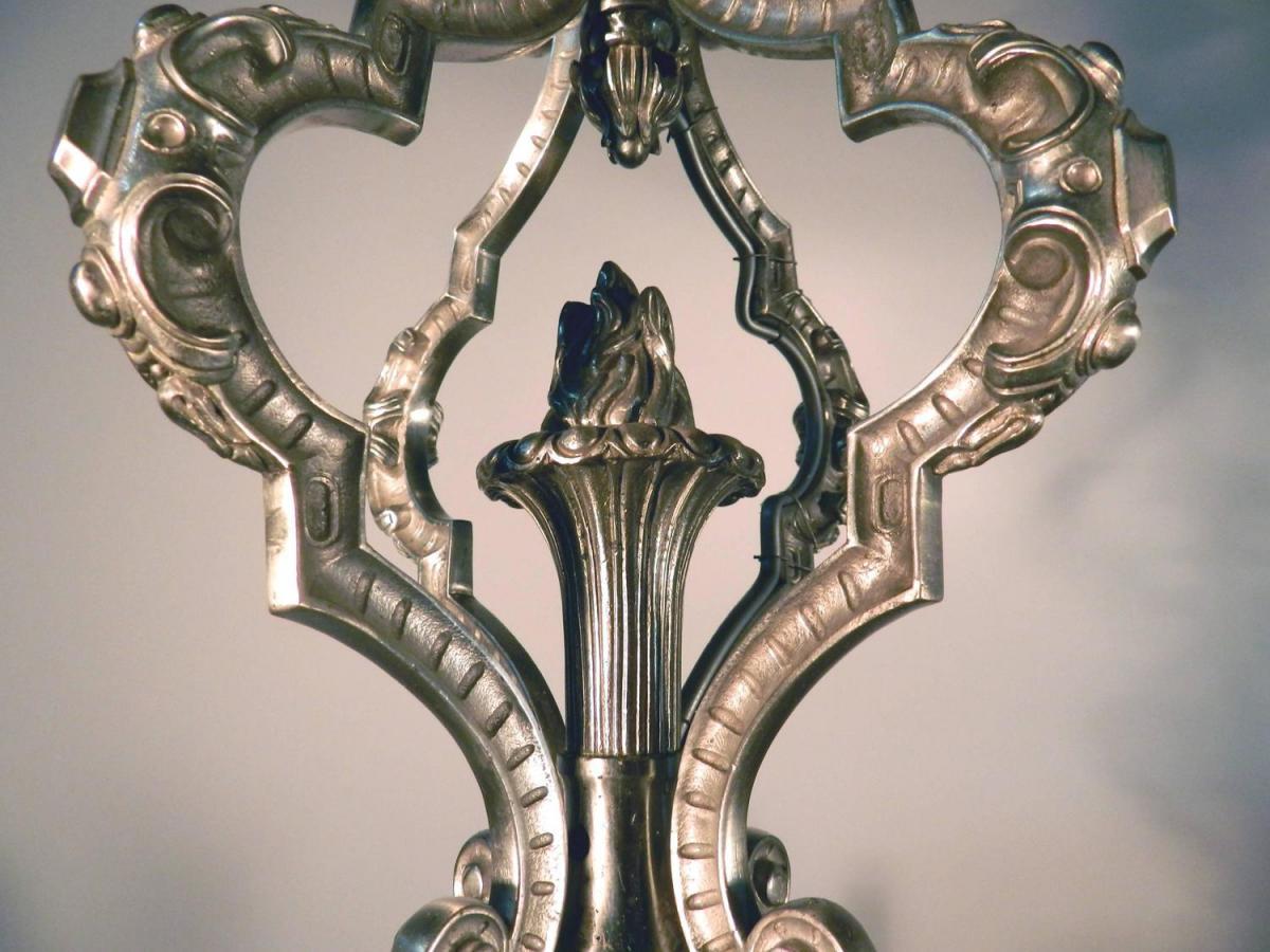 Grand Lustre 19eme En Bronze Argenté,décor De Personnages -photo-1