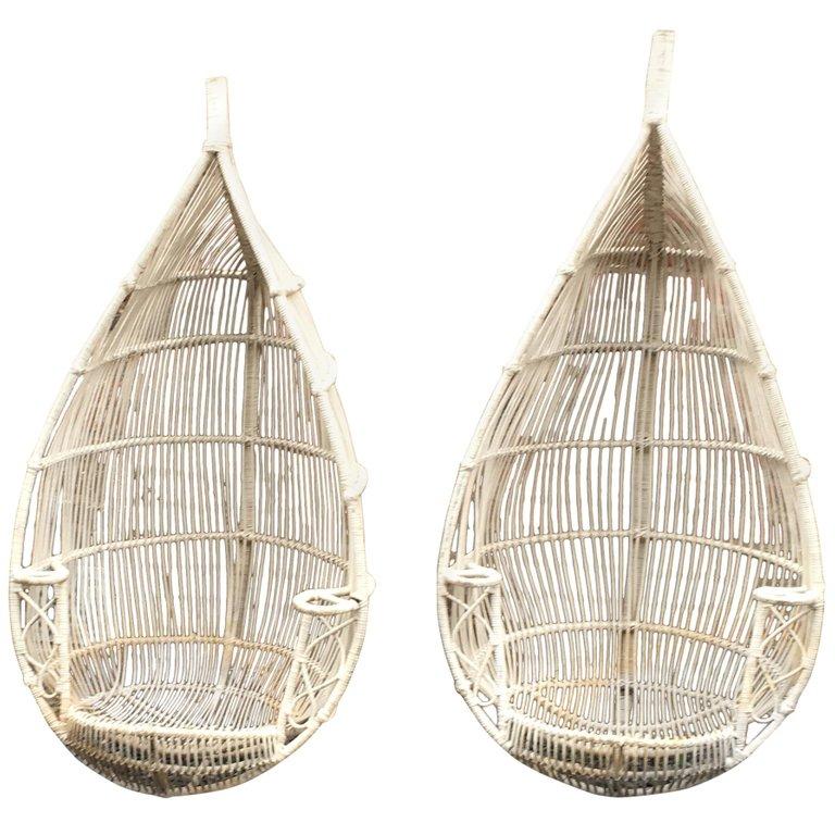 Paire De Fauteuils à Suspendre En Bambou Peint Circa 1970