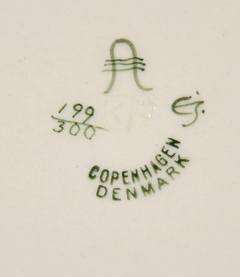 Berthe Jessen (bj) Aluminia Copenhagen. Large Ceramic Dish-photo-2