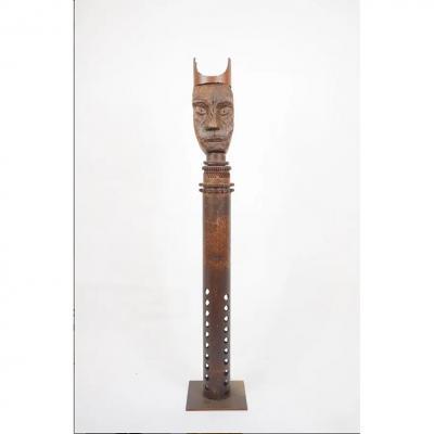 Guylaine Guy (1929) Le Roi.  Assemblage De Métaux.   Hauteur 124 Cm.